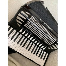 Excelsior Model 1304B Piano Accordion  37/96, 4/5 voice Scottish musette tuned. USED