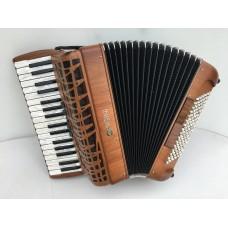 Pigini P36 3 Piano Accordion 3 voice Cherry wood with 96 Bass